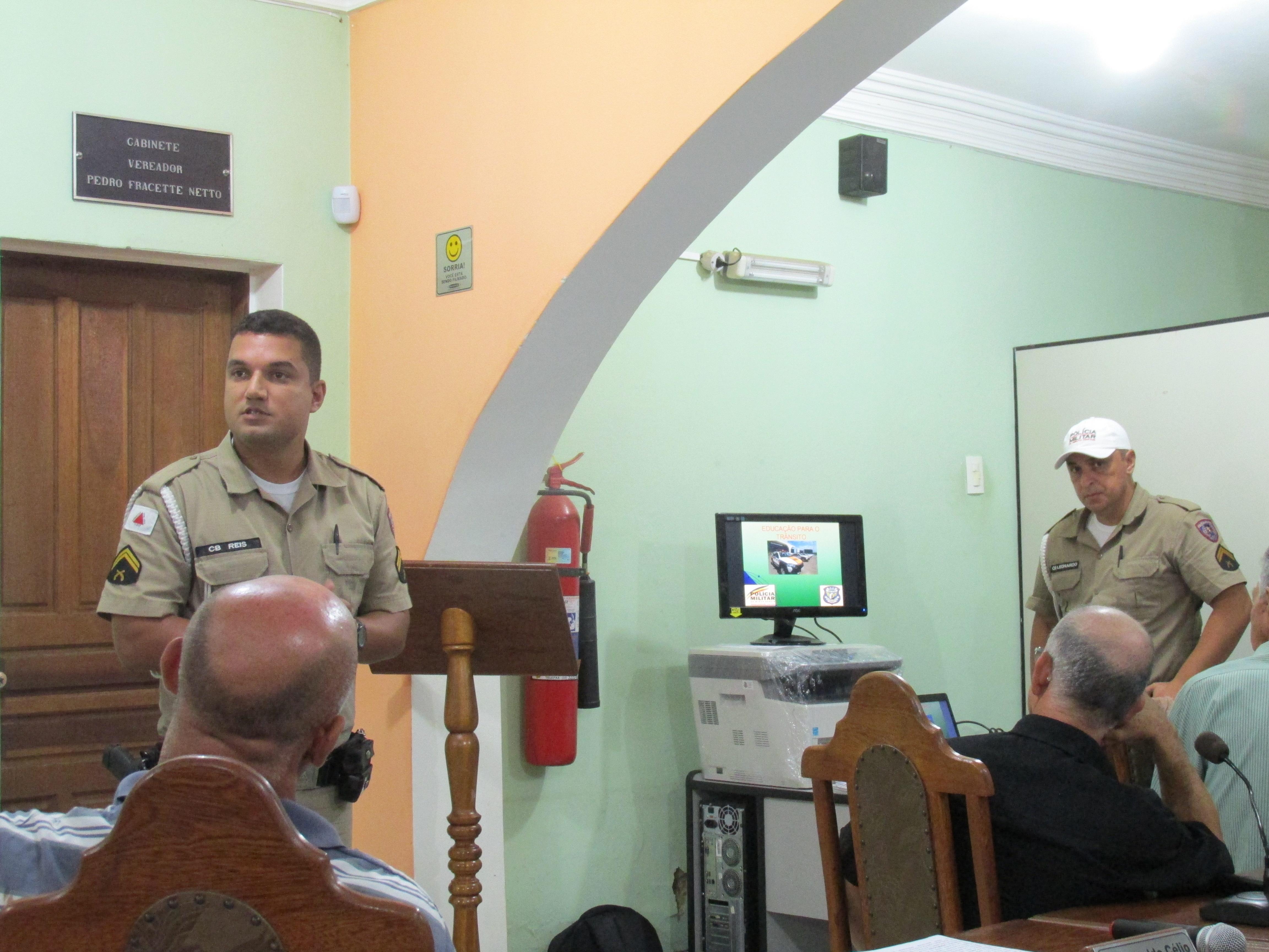 Polícia Rodoviária Estadual realiza palestra sobre trânsito na Câmara