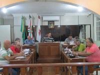 Prefeito apresenta Projetos de Lei para incentivar economia do município