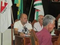 Prefeito Estevinho participa de reunião da Câmara